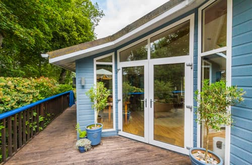 Last Minute Cottages - Captivating Weybourne Log Cabin S128307