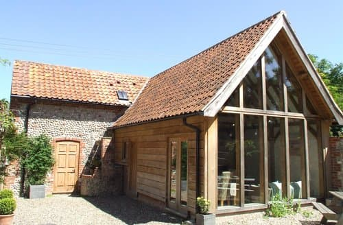 Last Minute Cottages - Lovely Cley Barn S128311