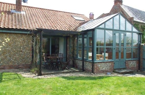 Last Minute Cottages - Wonderful Langham Barn S128314