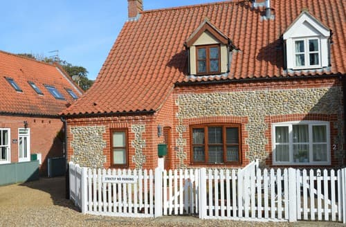 Last Minute Cottages - Lovely Blakeney Cottage S128319