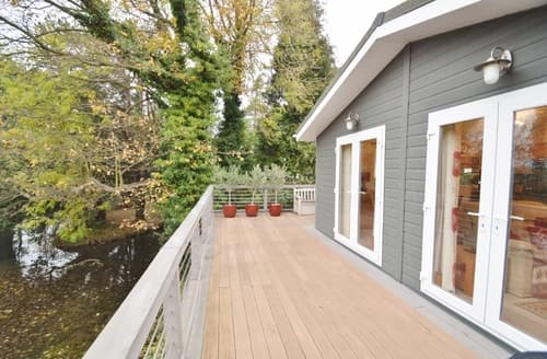 Last Minute Cottages - Attractive Weybourne Log Cabin S128332