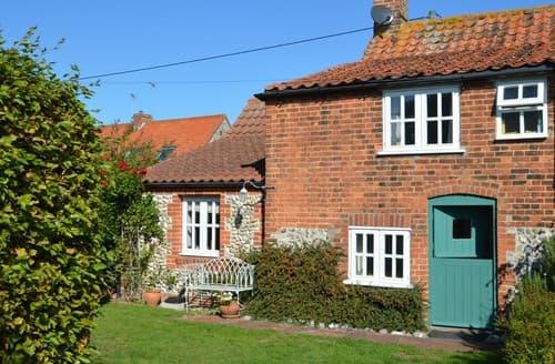 Last Minute Cottages - Tasteful Little Thornage Cottage S128333