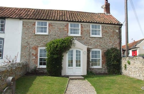 Last Minute Cottages - Splendid Salthouse Cottage S128338