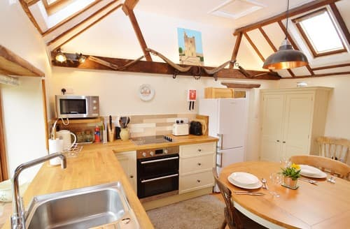 Last Minute Cottages - Inviting Saxlingham Cottage S128339