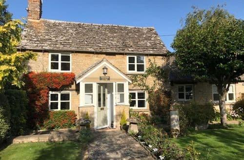 Last Minute Cottages - Tasteful Bampton, Oxfordshire Cottage S128433