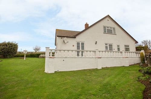 Last Minute Cottages - Exquisite Burton Bradstock Cottage S128492