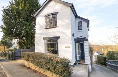 Last Minute Cottages - Tasteful Upper Wyche Cottage S128589