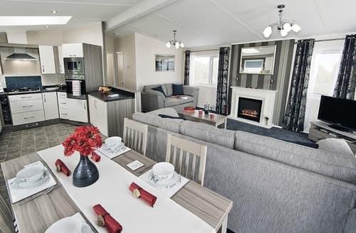 Last Minute Cottages - Cosy Alva Lodge S128611