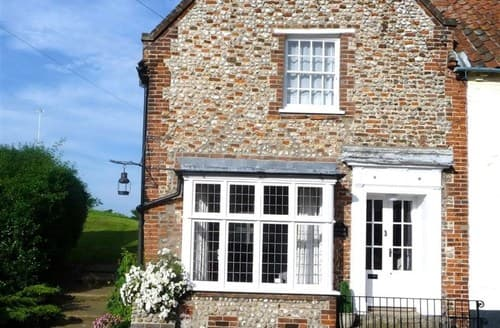 Last Minute Cottages - Stunning Holt Cottage S128632
