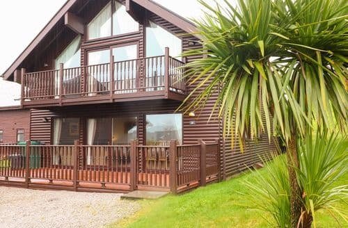 Last Minute Cottages - Lodge Sixty Six
