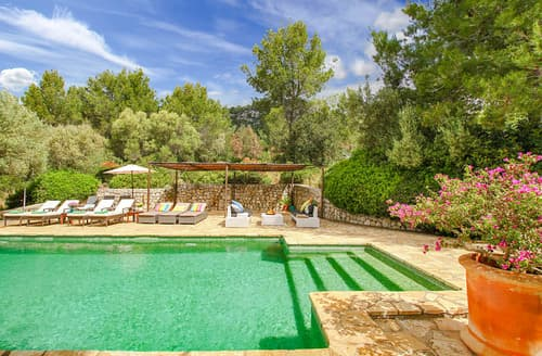 Last Minute Cottages - Villa Eriella