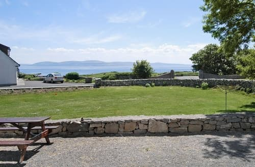 Last Minute Cottages - Charming Spiddal Cottage S23970
