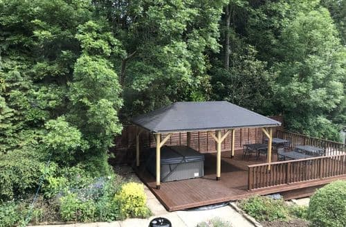 Last Minute Cottages - Woodsome Lodge S100566