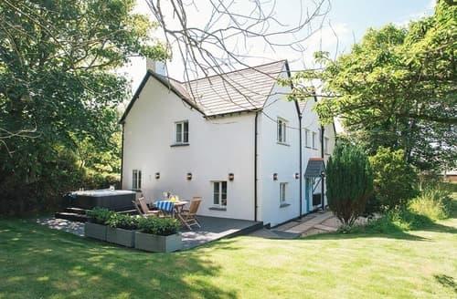 Last Minute Cottages - Adorable Stratton Lodge S128794