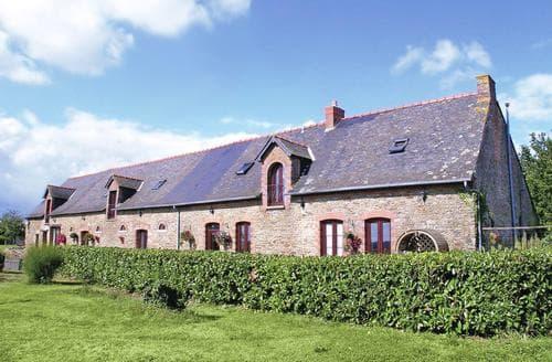 Big Cottages - Exquisite Chateaubriant Cottage S117161