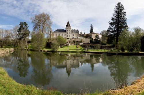 Last Minute Cottages - Chateau Magique
