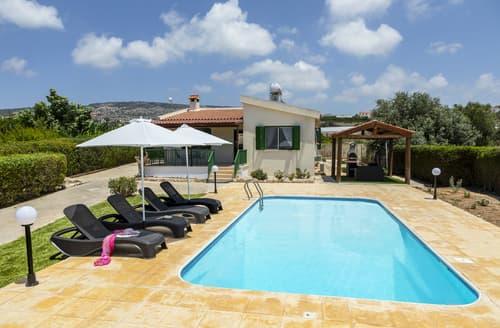 Last Minute Cottages - Villa Roderigo