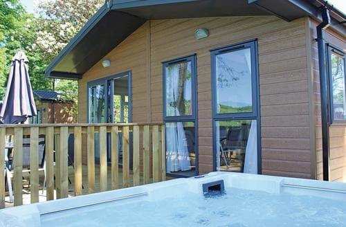 Last Minute Cottages - Adorable Mouswald Lodge S129004