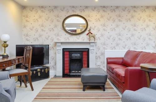 Last Minute Cottages - Splendid Panbride Apartment S129014