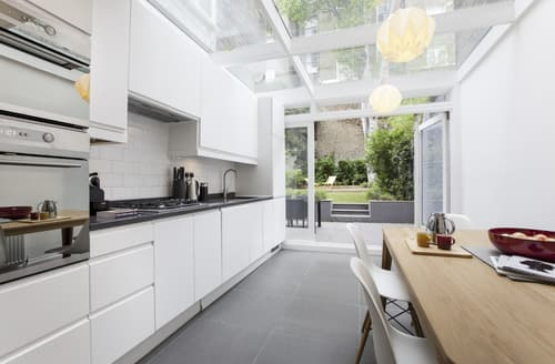 Last Minute Cottages - Kensington Gardens Apartment