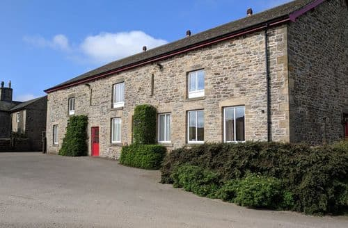 Last Minute Cottages - Mellwaters Barn Cottages   Kingfisher Cottage S100177