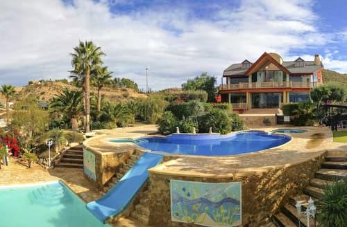 Last Minute Cottages - Villa Jacaranda