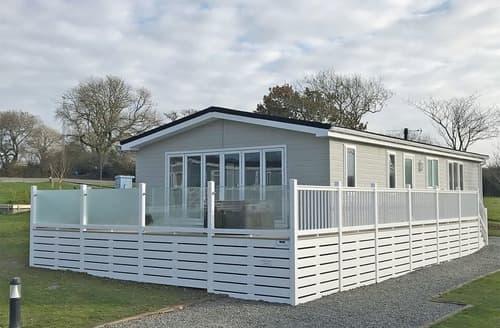 Last Minute Cottages - Excellent St Florence Lodge S129095