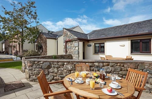 Last Minute Cottages - Inviting Berrier Lodge S129101