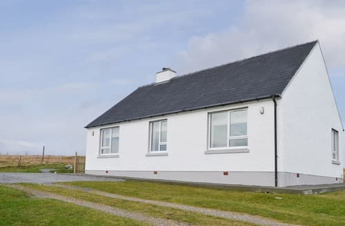 Big Cottages - Captivating Near Lochboisdale Cottage S129105