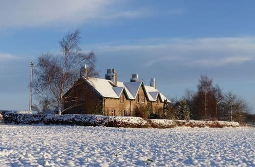 Last Minute Cottages - Hendersyde Farm Holiday Cottages   Southsyde S129116