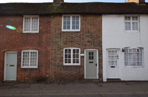 Last Minute Cottages - Attractive Tenterden Cottage S129162