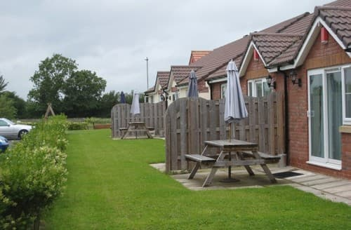 Last Minute Cottages - 2 Bedroom Lodge S129356