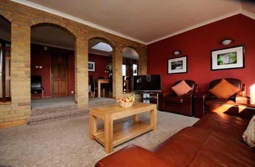 Last Minute Cottages - 2 Bedroom Villa
