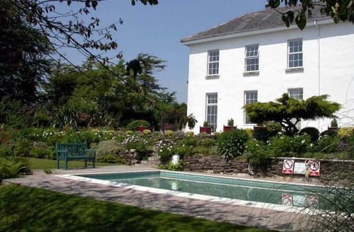 Last Minute Cottages - Daymer Apartment   The Old Rectory S130159