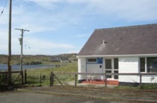 Last Minute Cottages - Loch Breacleit View S130756