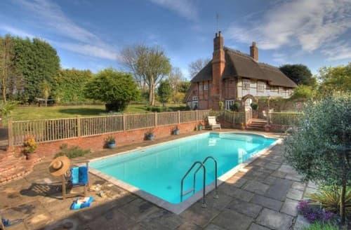 Last Minute Cottages - Manor Farmhouse S130816