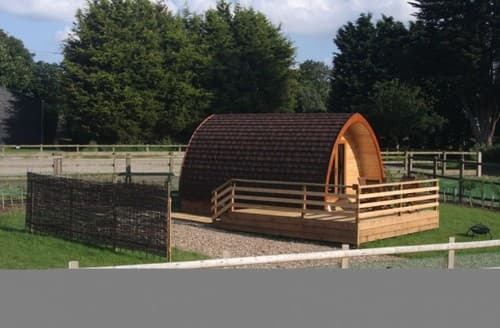 Last Minute Cottages - Megapod 2 At Lee Wick Farm Cottages & Glamping S130843