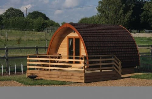 Last Minute Cottages - Megapod 3 At Lee Wick Farm Cottages And Glamping S130844