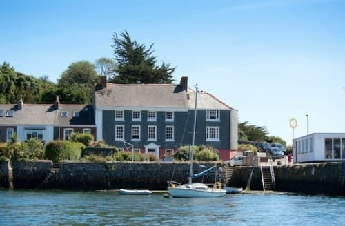 Last Minute Cottages - New Quay Lodge S130941