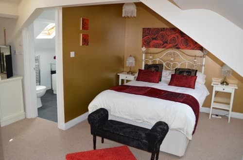 Last Minute Cottages - No.12 Victorian Town House Whitby