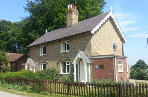 Last Minute Cottages - Pheasant At Rigsby Wold Holiday Cottages S131086