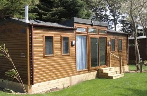 Last Minute Cottages - Summer House 1