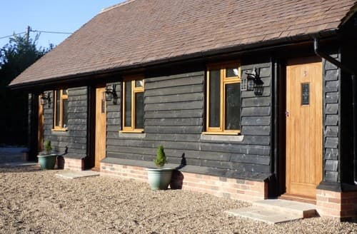 Last Minute Cottages - The Old Stable Yard S131633