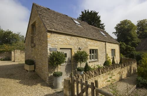 Surprising Fishing Cottages In Cotswolds To Rent Last Minute Cottages Home Interior And Landscaping Mentranervesignezvosmurscom