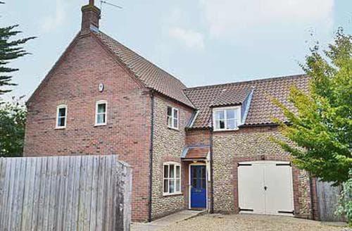Big Cottages - Quaint Wells Next The Sea Cottage S17640