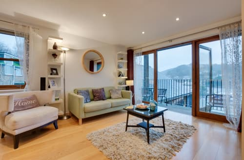 Last Minute Cottages - Cosy Looe Apartment S133316