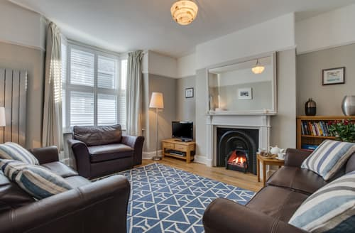 Last Minute Cottages - Inviting Padstow Town Cottage S133318