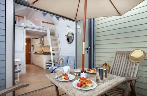 Last Minute Cottages - Shaldon Beach Hut 5