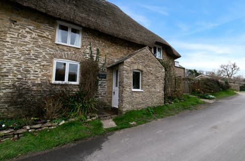 Last Minute Cottages - Beautiful Langton Herring Cottage S133395