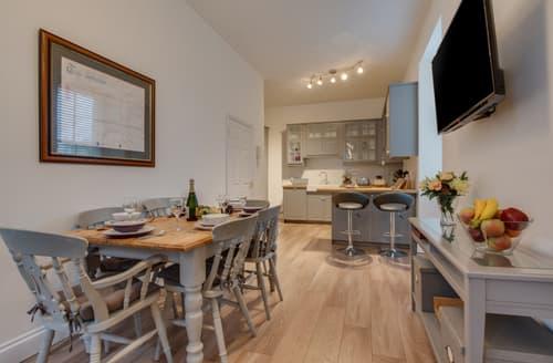 Last Minute Cottages - Luxury Pembroke Apartment S133721